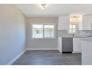 """Photo 6: 181 1840 160 Street in Surrey: King George Corridor Manufactured Home for sale in """"BREAKAWAY BAYS"""" (South Surrey White Rock)  : MLS®# R2585723"""