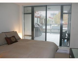 """Photo 7: 303 610 VICTORIA Street in New_Westminster: Downtown NW Condo for sale in """"THE POINT"""" (New Westminster)  : MLS®# V752924"""