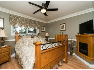 Photo 8: 13527 BRYAN PL in Surrey: Queen Mary Park Surrey House for sale : MLS®# F1423128