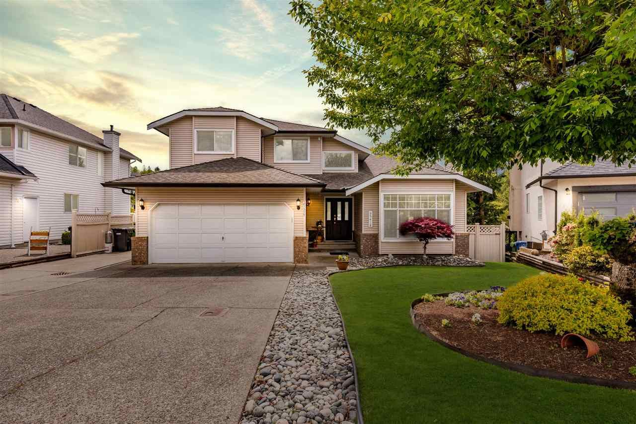 """Main Photo: 35418 LETHBRIDGE Drive in Abbotsford: Abbotsford East House for sale in """"Sandy Hill"""" : MLS®# R2575063"""