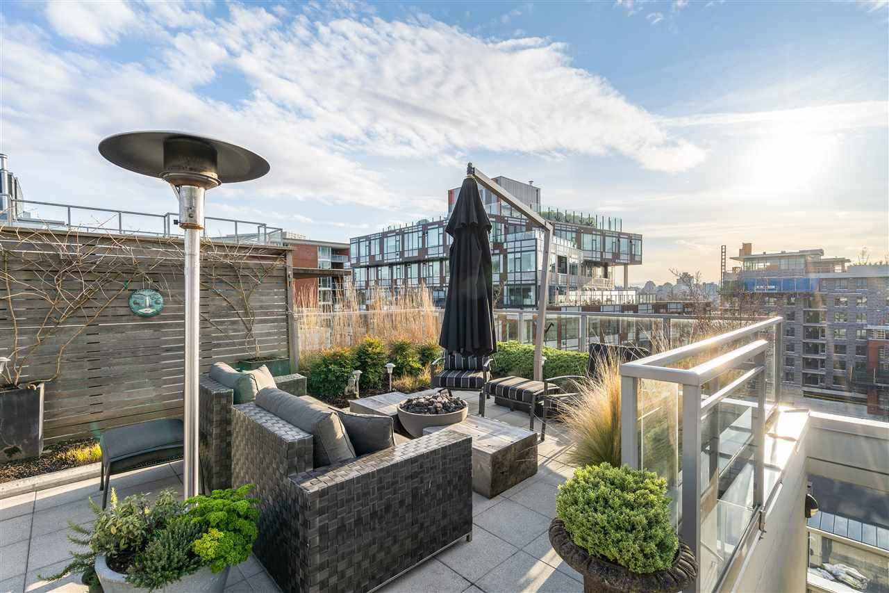 """Main Photo: PH5 250 E 6TH Avenue in Vancouver: Mount Pleasant VE Condo for sale in """"DISTRICT"""" (Vancouver East)  : MLS®# R2564875"""
