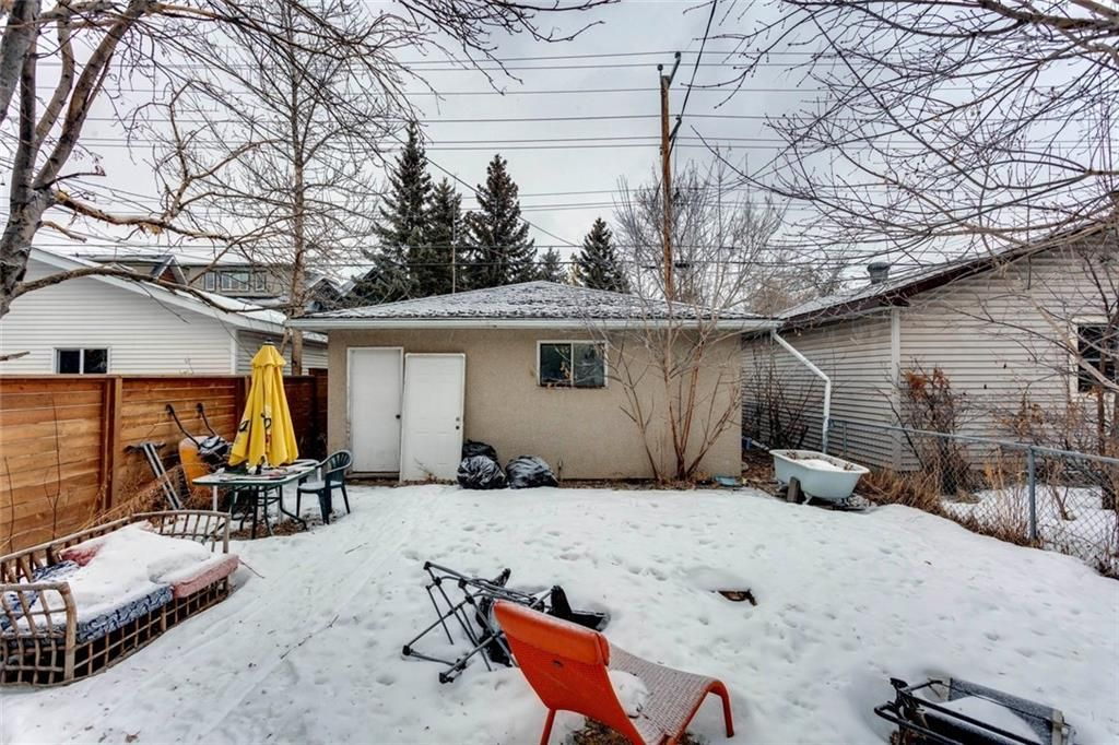 Photo 15: Photos: 1636 BOWNESS Road NW in Calgary: Hillhurst Detached for sale : MLS®# C4291590