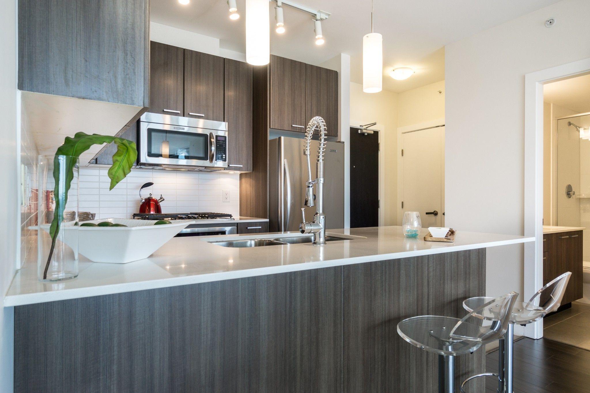 """Photo 4: Photos: 2906 2955 ATLANTIC Avenue in Coquitlam: North Coquitlam Condo for sale in """"OASIS"""" : MLS®# R2274297"""