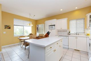 """Photo 10: 152 2979 PANORAMA Drive in Coquitlam: Westwood Plateau Townhouse for sale in """"Deercrest Estates"""" : MLS®# R2411444"""