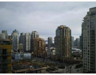 """Photo 3: 1408 1255 SEYMOUR Street in Vancouver: Downtown VW Condo for sale in """"ELAN"""" (Vancouver West)  : MLS®# V692372"""