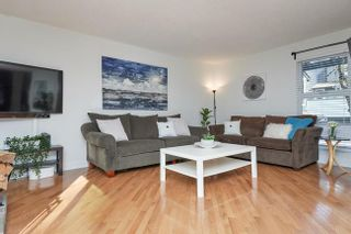 Photo 5: 7414 ECHO PLACE in Parklane: Champlain Heights Townhouse for sale ()  : MLS®# R2439756