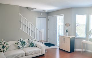 """Photo 5: 9 15450 101A Avenue in Surrey: Guildford Townhouse for sale in """"Canterbury"""" (North Surrey)  : MLS®# R2384888"""
