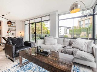 """Photo 2: 503 130 E 2 Street in North Vancouver: Lower Lonsdale Condo for sale in """"The Olympic"""" : MLS®# R2585234"""