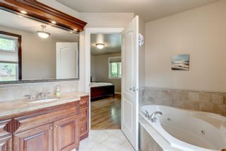 Photo 17: 2304 LONGRIDGE Drive SW in Calgary: North Glenmore Park Detached for sale : MLS®# A1015569