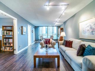 "Photo 3: 1009 1500 HOWE Street in Vancouver: Yaletown Condo for sale in ""The Discovery"" (Vancouver West)  : MLS®# R2561951"