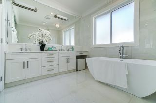 Photo 11: 1928 LARONDE Drive in Surrey: Crescent Bch Ocean Pk. House for sale (South Surrey White Rock)  : MLS®# R2385182