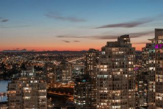 """Photo 29: 1908 1033 MARINASIDE Crescent in Vancouver: Yaletown Condo for sale in """"QUAYWEST"""" (Vancouver West)  : MLS®# R2467788"""