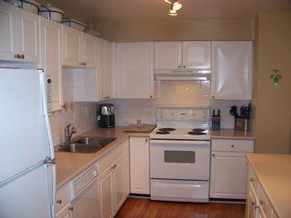 "Photo 2: 15 9036 208TH Street in Langley: Walnut Grove Townhouse for sale in ""HUNTERS GLEN"" : MLS®# F1006862"