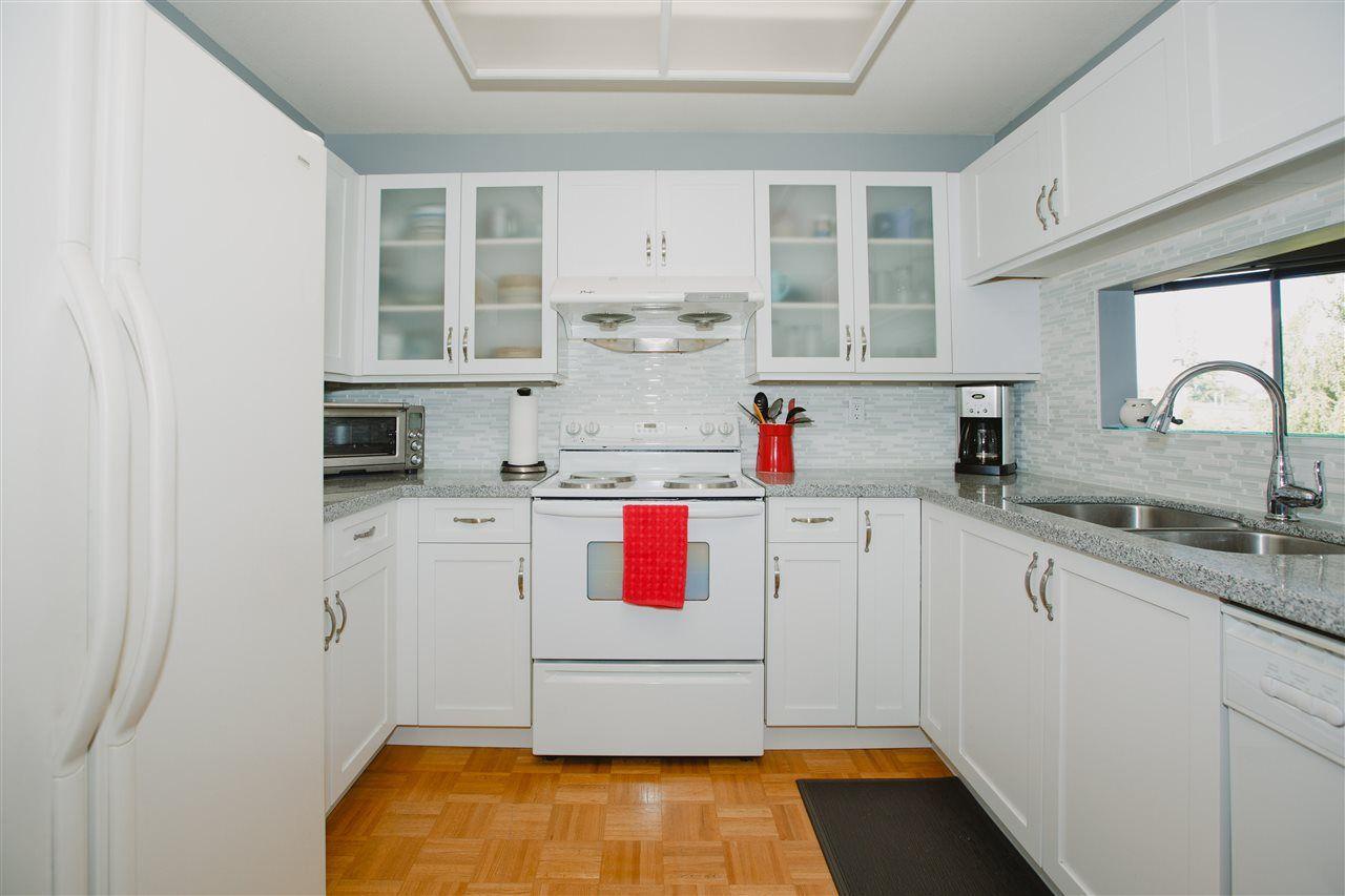 Main Photo: 202 7600 FRANCIS ROAD in : Broadmoor Condo for sale : MLS®# R2066273