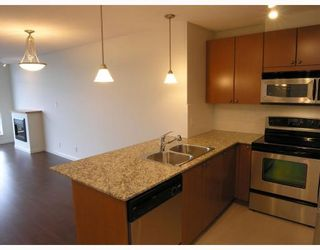 """Photo 2: 1608 610 VICTORIA Street in New_Westminster: Downtown NW Condo for sale in """"THE POINT"""" (New Westminster)  : MLS®# V663622"""