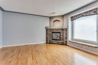 Photo 6: 132 Cresthaven Place SW in Calgary: Crestmont Detached for sale : MLS®# A1121487