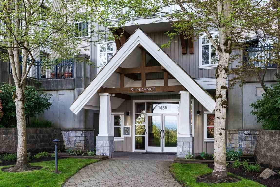 """Photo 1: Photos: 404 1438 PARKWAY Boulevard in Coquitlam: Westwood Plateau Condo for sale in """"MONTREUX"""" : MLS®# R2161413"""