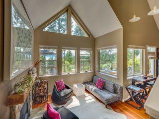 Photo 5: 4362 COASTVIEW DRIVE in Garden Bay: Pender Harbour Egmont House for sale (Sunshine Coast)  : MLS®# R2390091