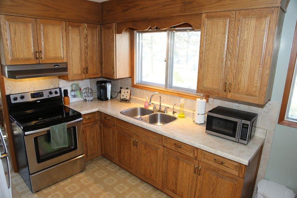 Photo 15: Photos: 407 Wallasey Street in WINNIPEG: Grace Hospital Area Single Family Detached for sale (West Winnipeg)  : MLS®# 1426170