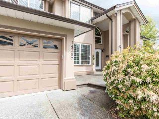 """Photo 2: 14287 69A Avenue in Surrey: East Newton House for sale in """"East Newton"""" : MLS®# R2574011"""