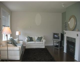 """Photo 4: 7 19452 FRASER Way in Pitt_Meadows: South Meadows Townhouse for sale in """"SHORELINE"""" (Pitt Meadows)  : MLS®# V702540"""