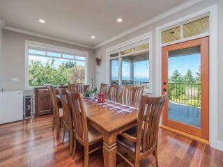 Photo 11: 4980 LAUREL Avenue in Sechelt: Sechelt District House for sale (Sunshine Coast)  : MLS®# R2589236
