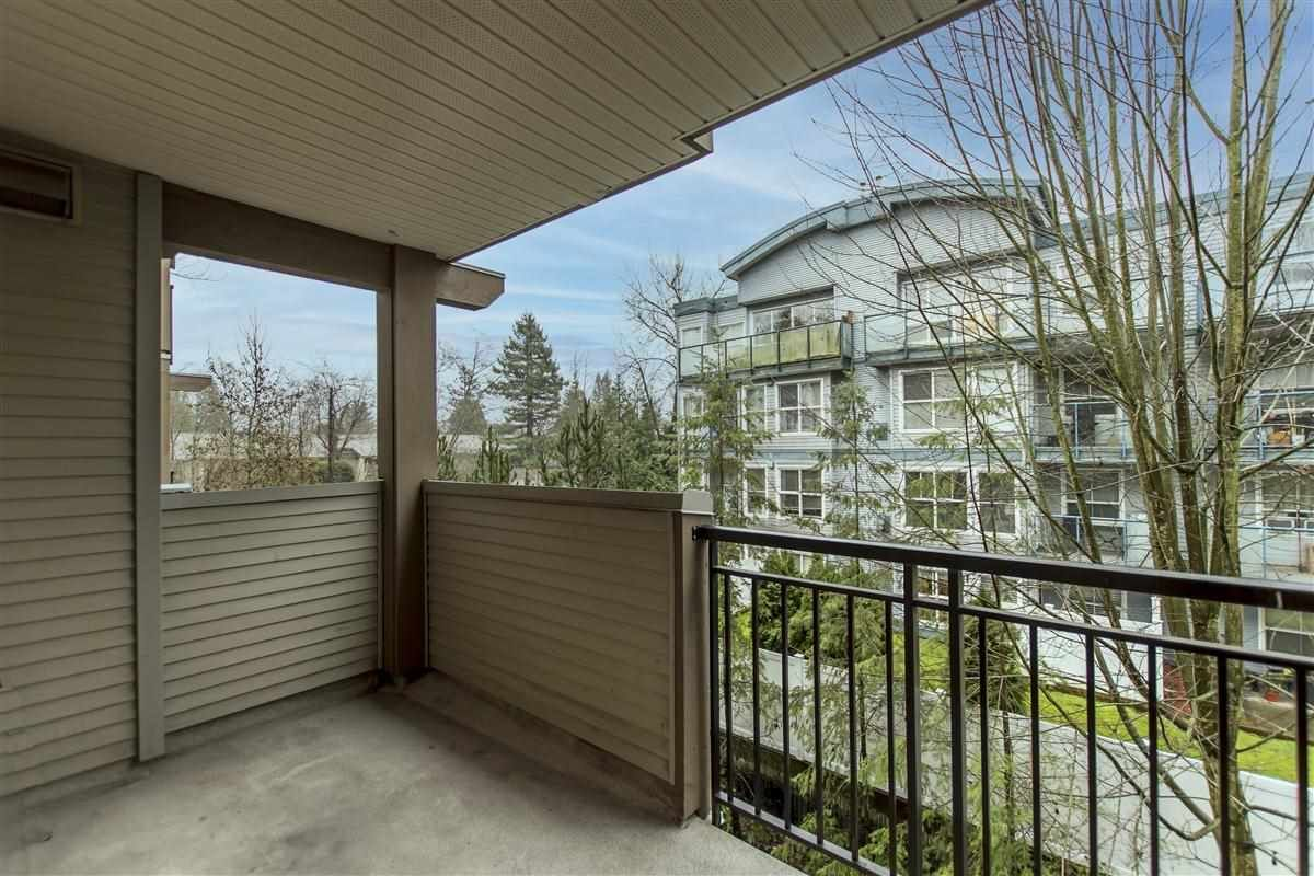 """Photo 9: Photos: 312 10088 148 Street in Surrey: Guildford Condo for sale in """"GUILDFORD PARK PLACE"""" (North Surrey)  : MLS®# R2526530"""
