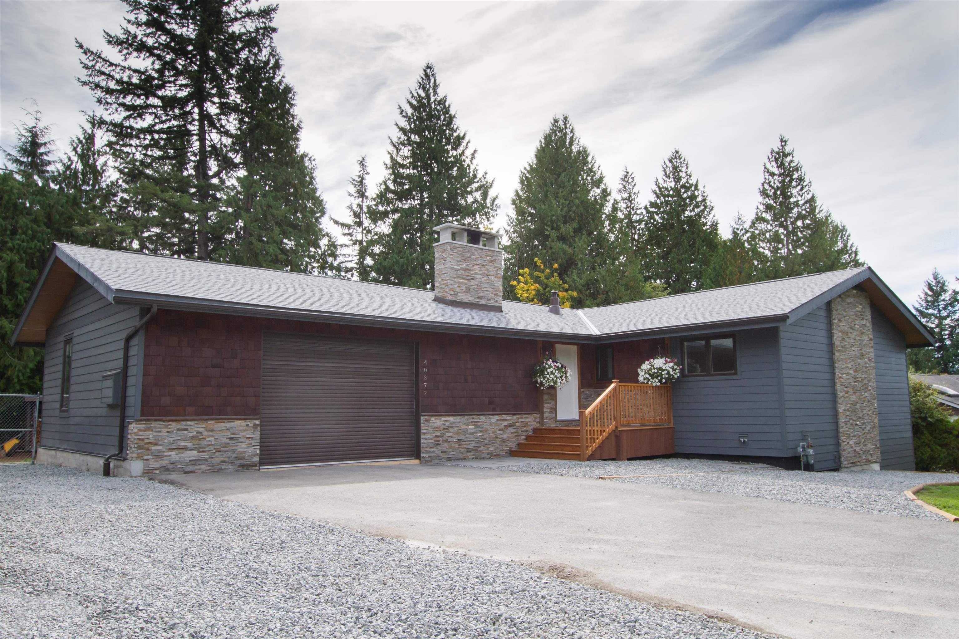 "Main Photo: 40372 SKYLINE Drive in Squamish: Garibaldi Highlands House for sale in ""Garibald Highlands"" : MLS®# R2619172"