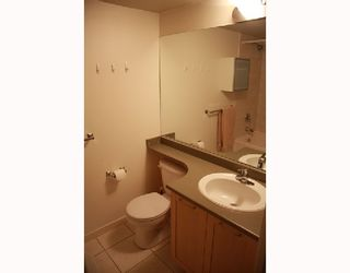 """Photo 5: 303 1503 W 65TH Avenue in Vancouver: S.W. Marine Condo for sale in """"SOHO"""" (Vancouver West)  : MLS®# V716674"""