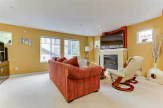 """Photo 3: 26 12711 64 Avenue in Surrey: West Newton Townhouse for sale in """"Palette on the Park"""" : MLS®# R2498817"""