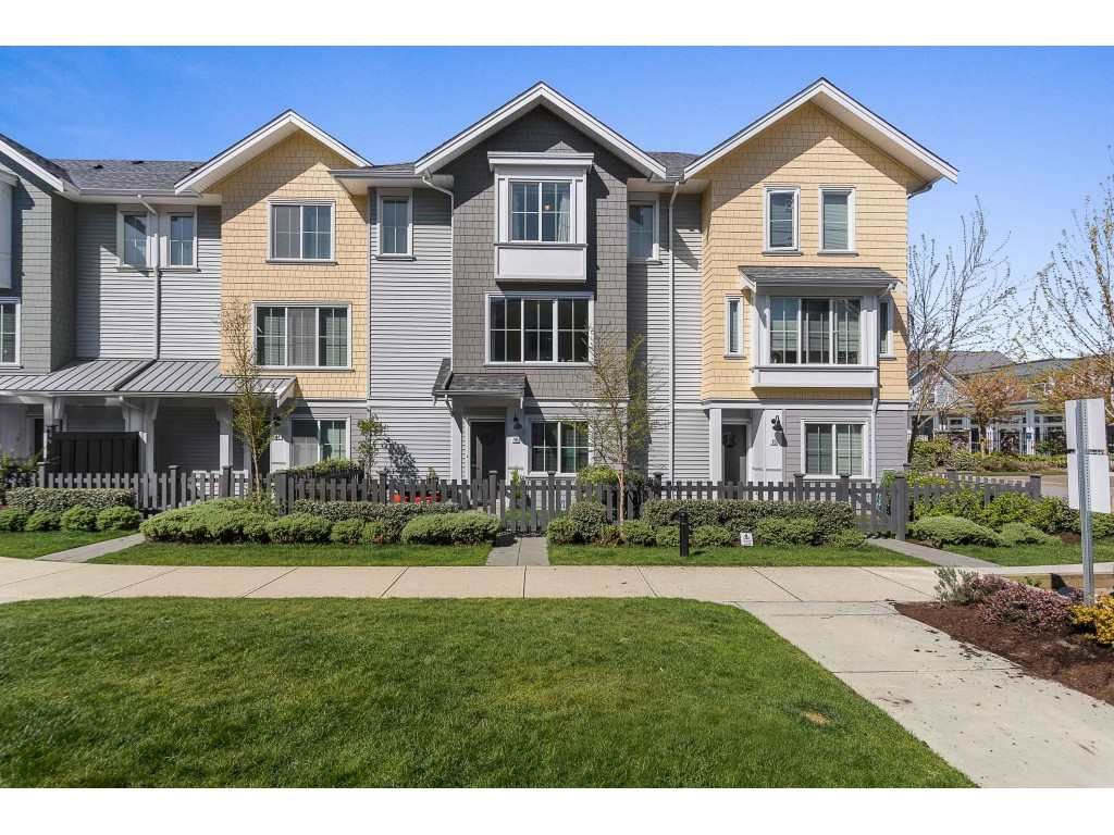"""Main Photo: 16 5550 ADMIRAL Way in Delta: Neilsen Grove Townhouse for sale in """"FAIRWINDS"""" (Ladner)  : MLS®# R2569776"""