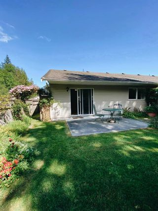 Photo 15: 17 535 SHAW Road in Gibsons: Gibsons & Area 1/2 Duplex for sale (Sunshine Coast)  : MLS®# R2579843