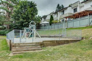 """Photo 16: 15 2830 BOURQUIN Crescent in Abbotsford: Central Abbotsford Townhouse for sale in """"Abbotsford Court"""" : MLS®# R2387328"""