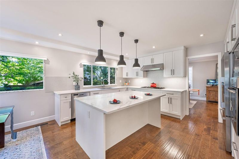 FEATURED LISTING: 13292 18A Avenue Surrey