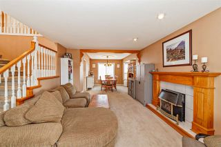 """Photo 3: 33553 KNIGHT Avenue in Mission: Mission BC House for sale in """"Hillside/Forbes"""" : MLS®# R2352196"""