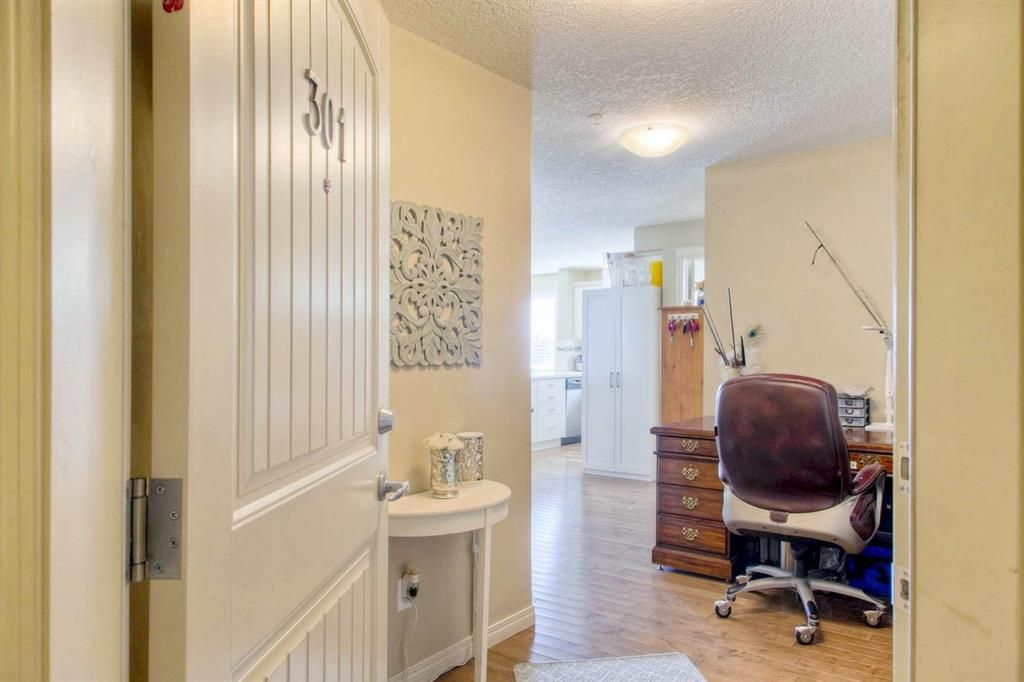 Main Photo: 301 102 Cranberry Park SE in Calgary: Cranston Apartment for sale : MLS®# A1082779