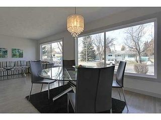 Photo 4: 38 WESTWOOD Drive SW in Calgary: Bungalow for sale : MLS®# C3560165