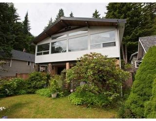 Photo 1: 1621 DEEP COVE RD in North Vancouver: House for sale : MLS®# V835288