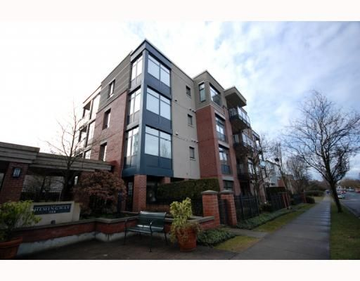 "Main Photo: 588 west 45th ""Hemingway"" in Vancouver: Oakridge VW Condo for sale (Vancouver West)  : MLS®# V754687"