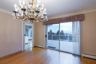 "Photo 30: 301 N HYTHE Avenue in Burnaby: Capitol Hill BN House for sale in ""CAPITOL HILL"" (Burnaby North)  : MLS®# R2531896"