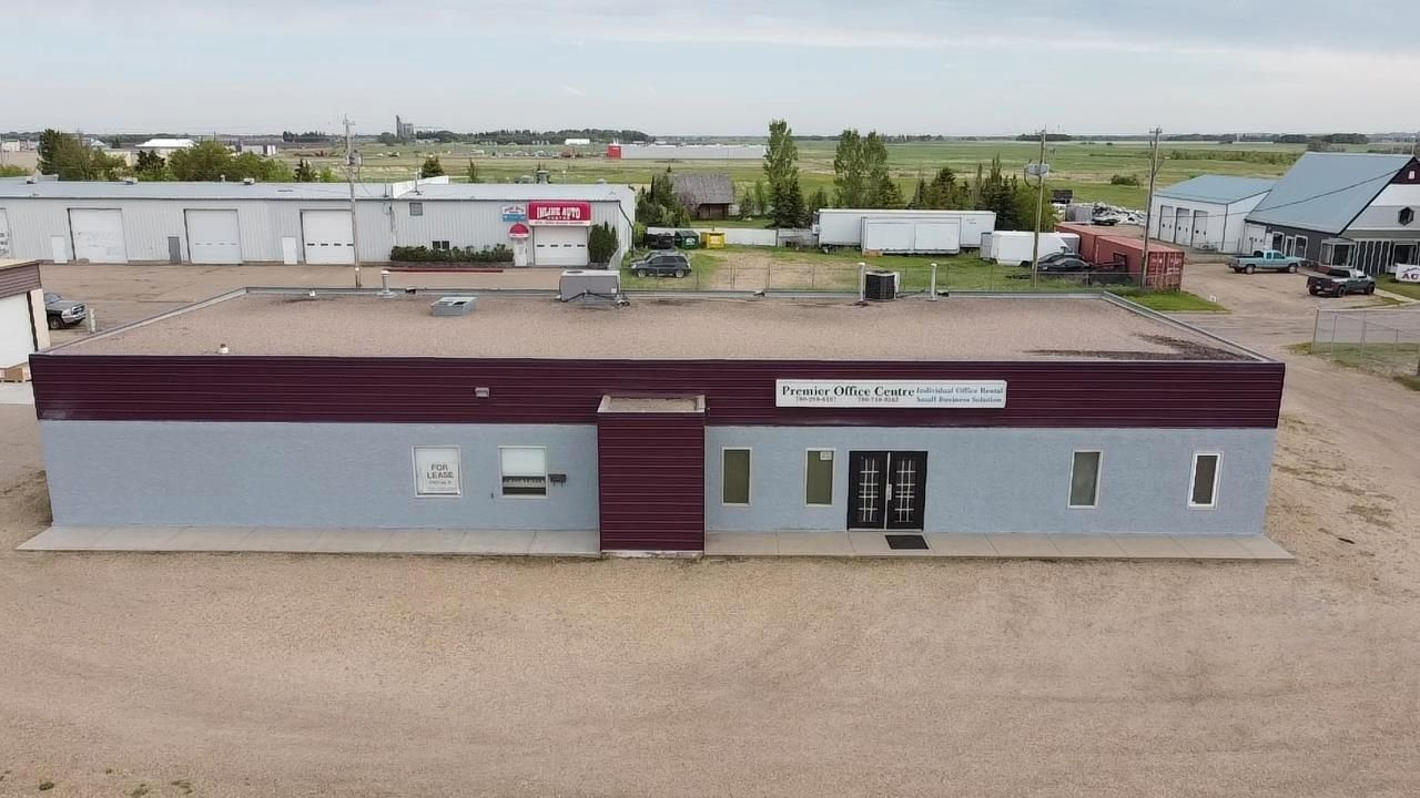 Main Photo: 5729 40 Avenue: Wetaskiwin Office for sale or lease : MLS®# E4242152