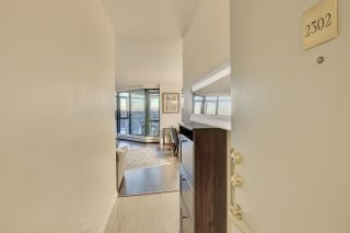 "Photo 4: 2302 289 DRAKE Street in Vancouver: Yaletown Condo for sale in ""Park View Tower"" (Vancouver West)  : MLS®# R2530410"