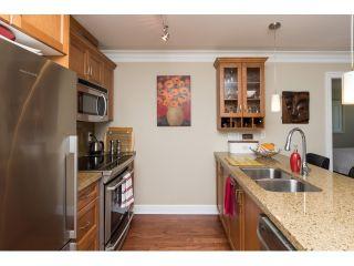 "Photo 3: PH5 15357 ROPER Avenue: White Rock Condo for sale in ""REGENCY COURT"" (South Surrey White Rock)  : MLS®# R2068178"