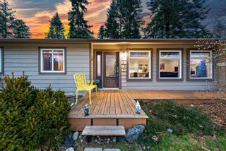 Photo 4: 560 Nimpkish St in : CV Comox (Town of) House for sale (Comox Valley)  : MLS®# 870131