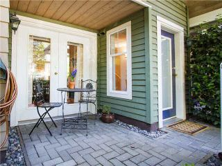 """Photo 2: 1625 MCLEAN Drive in Vancouver: Grandview VE Townhouse for sale in """"COBB HILL"""" (Vancouver East)  : MLS®# V1116697"""
