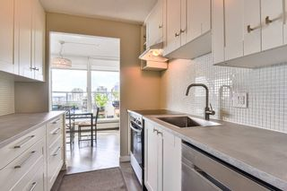 """Photo 4: 1002 31 ELLIOT Street in New Westminster: Downtown NW Condo for sale in """"ROYAL ALBERT TOWERS"""" : MLS®# R2351722"""