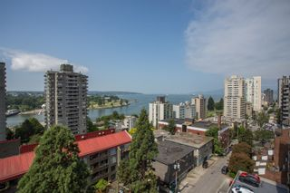 "Photo 13: 901 1146 HARWOOD Street in Vancouver: West End VW Condo for sale in ""The Lamplighter"" (Vancouver West)  : MLS®# R2376230"