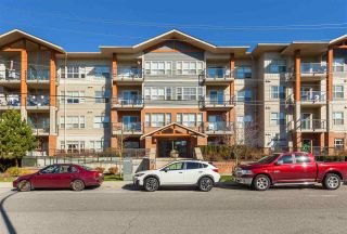 "Photo 3: 315 20219 54A Avenue in Langley: Langley City Condo for sale in ""Suede"" : MLS®# R2513344"