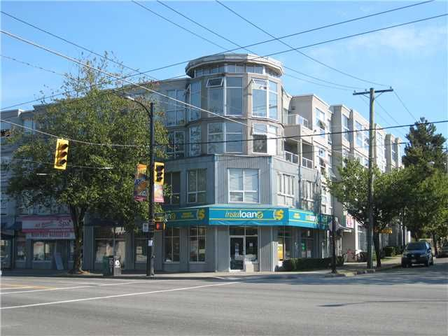 "Main Photo: PH1 418 E BROADWAY in Vancouver: Mount Pleasant VE Condo for sale in ""BROADWAY CREST"" (Vancouver East)  : MLS®# V1022028"