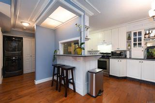 Photo 10: 311 2520 Wark St in : Vi Hillside Condo for sale (Victoria)  : MLS®# 865903